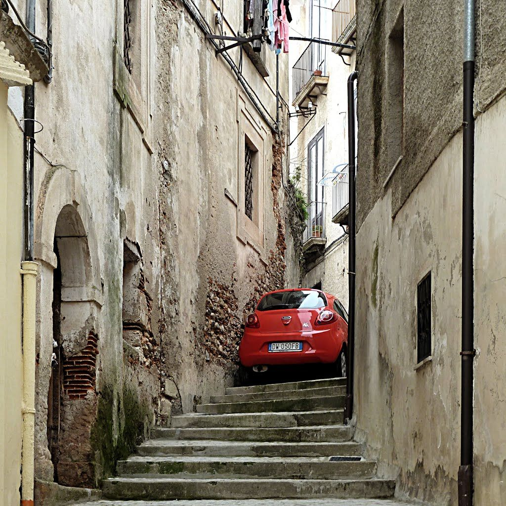 crazy_parking_in_italy